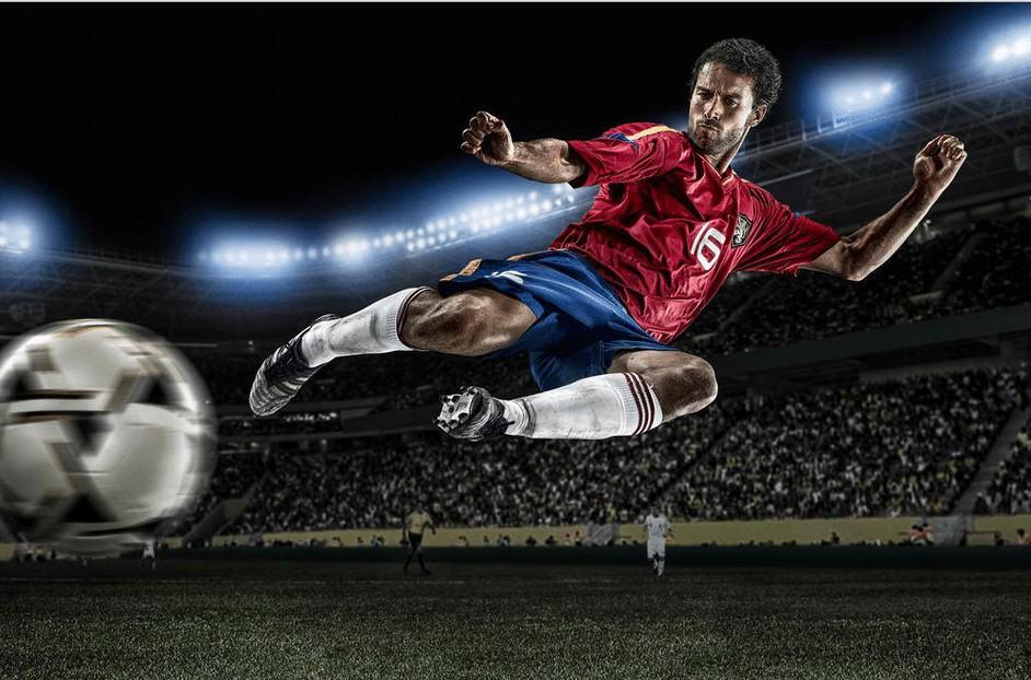 Peak-Action Soccer © Tim Tadder